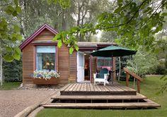 log cabin cottage exterior