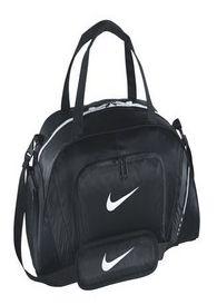 Sac sport en nylon léger et résistant. Poches pratiques - poche séparée pour les chaussures, plusieurs poches pour les accessoires. Accepte l'écussonnage.