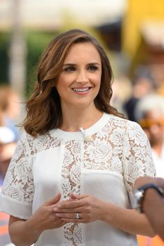 Rachael Leigh Cook on Extra Pictures 2016 | POPSUGAR Celebrity