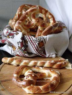 Making Croissants, Tapas, Yummy Treats, Yummy Food, Vegan Recipes, Cooking Recipes, Romanian Food, Romanian Recipes, Just Bake