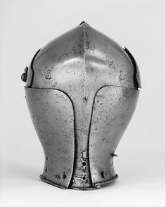 Armet Date: ca. 1460 Geography: Milan Culture: Italian, Milan Medium: Steel Dimensions: Wt. 6 lb. 1 oz. (2749 g) Classification: Helmets Credit Line: Bashford Dean Memorial Collection, Funds from various donors, 1929 Accession Number: 29.158.22 - See more at: http://www.metmuseum.org/collection/the-collection-online/search/23232?img=3#sthash.bGyT2Khv.dpuf