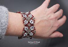 Beading pattern tutorial for creating a bracelet using IrisDuo beads, Miyuki round seed beads and Swarovski crystals. Beading pattern tutorial, bracelet pattern, DIY jewelry, beaded jewelry.