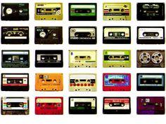 O Dia do Demo celebra a história do rock em Brasília reunindo, na Kingdom Black, diversos fãs de músicas que possuem fitas demo dos anos 80 e 90, seja para tocar na hora, trocar entre si ou digitalizar