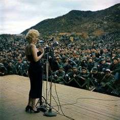 Marilyn entertains the troops