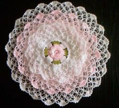 This Pin was discovered by Ünz Thread Crochet, Filet Crochet, Crochet Motif, Crochet Doilies, Crochet Flowers, Crochet Lace, Doily Patterns, Easy Crochet Patterns, Vintage Patterns