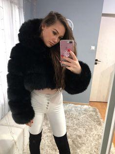 Fox Fur Coat, Fur Coats, Sexy Women, Women Wear, White Face Mask, Fur Clothing, Fur Fashion, White Jeans, Pin Up