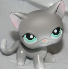 LITTLEST PET SHOP #246 GREY SHORT HAIR CAT RARE With BLUE EYES