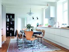 Moderne design i historiske rammer. Se mere af køkkenet på www. One Wall Kitchen, New Kitchen, Kitchen Decor, Dining Room, Dining Table, Home Kitchens, Inspiration, Furniture, House Ideas
