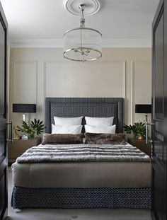 A modern classic in the interior of Stalin's apartment in Moscow Home Room Design, Master Bedroom Design, Home Decor Bedroom, Bedroom Wall, Bedroom Ideas, Contemporary Bedroom, Modern Bedroom, Suites, Apartment Interior