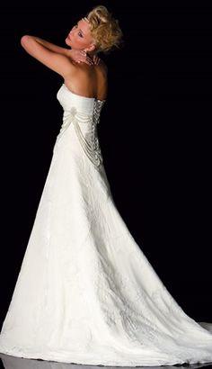 unique wedding dress by Raylia