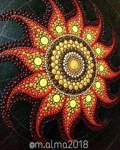 No hay ninguna descripción de la foto disponible. Sun Painting, Dot Art Painting, Mandala Painting, Mandala Drawing, Pottery Painting, Mandala Painted Rocks, Mandala Rocks, Flower Mandala, Rock Painting Patterns