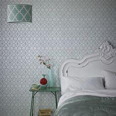 Cambia de color tus paredes con los colores de moda. Elige entre más de 280 modelos.