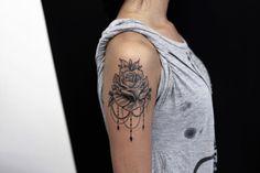 Realistic tattoo #flower tattoo #tattoo idea #rose tattoo #tattoo sleve #rose mandala tattoo #montebelluna tattoo #Fuerteventura tattoo #Bari tattoo