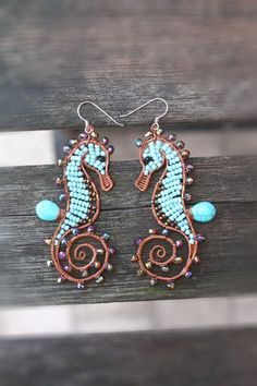 Seahorse earrings turquoise marine animals di SusyDeMarchiJewelry, I love these Copper Jewelry, Beaded Jewelry, Handmade Jewelry, Copper Bracelet, Copper Wire, Jewelry Box, Wire Wrapped Earrings, Wire Earrings, Wire Bracelets