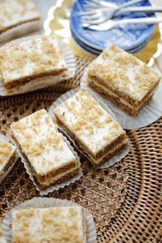 Dutch Recipes, Baking Recipes, Cake Recipes, Strawberry Muffins, Mini Pies, Pie Dessert, Carrot Cake, Cake Cookies, Delicious Desserts