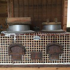 隣にあるエビス亭ではゲストの宿泊もできる様子こんなものを見つけました#おくどさん #かまど #美波町 by otonari3