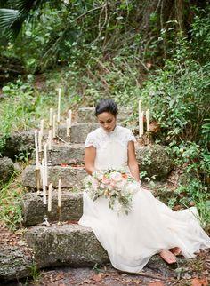 Vintage bride in Gos