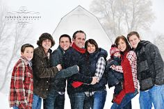family pictures, large family photo poses, snow pictures, famili pictur, large group photography poses, famili pose, poses for large families, famili photo, christmas card pictures