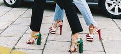 Ayer desfilaba Gucci, así que ya sabes lo que eso significa: este street style está lleno de los bolsos y los zapatos por los que toda 'fashionista' suspira