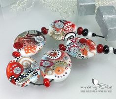 Handmade lampwork beads -- free-formed -- S n o w W h i t e -- SRA -- art glass set -- made by Silke Buechler