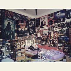 Best fuckin room! #metal #temple #posters #flags #metal #everywhere #drums #metalgirl #metalroom #metalhead #iam #really #proud #on #it #true #love Punk Rock Bedroom, Tomboy Bedroom, Grunge Bedroom, Room Design Bedroom, Room Ideas Bedroom, Metal Girl, Grunge Outfits, 90s Grunge, Grunge Fashion