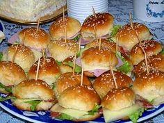 Pão de Batata e Mini Sanduíches   Receita da Ale & Ricardo  Se você copiar esta receita para um arquivo pessoal, ou para publicar na interne...