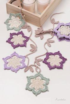 Cottage stars Christmas garland pattern by Anabelia Craft Design