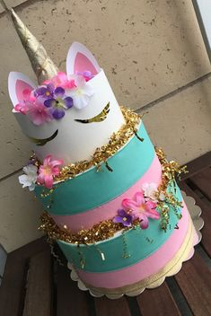 Sociable reorganized baby shower diaper cake website here Unicorn Party Supplies, Baby Shower Party Supplies, Baby Shower Parties, Baby Shower Themes, Baby Shower Decorations, Shower Ideas, Diy Diaper Cake, Nappy Cakes, Bridal Shower Cakes