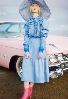 Girly Images, Girls World, Fashion Images, Pink Blue, Editorial Fashion, Fashion Dresses, Tulle, Style Inspiration, Shirt Dress