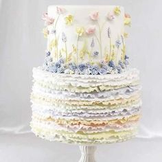 23 Stunning Spring Wedding Cakes to Inspire - Cakes - You are in the right place about spring wedding cake lavender Here we offer you the most beautiful pict Wedding Cake Prices, Diy Wedding Cake, Wedding Cakes With Cupcakes, Wedding Cake Decorations, Wedding Cake Designs, Wedding Desserts, Wedding Cake Toppers, Wedding Vows, Cake Decorating Designs