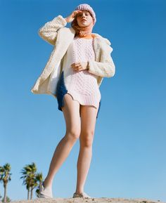 Warm it up with cold weather essentials. Shop cozy sweaters, sweatshirts & chunky knits. Nasty Gals Do Winter Better.