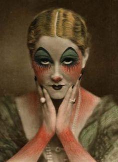 Miss VAN, Selfportrait