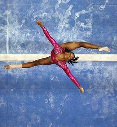 Gabby Douglas, a. the Flying Squirrel - Women's Gymnastics. Olympic Gymnastics, Olympic Sports, Olympic Games, Women's Gymnastics, Amazing Gymnastics, Gymnastics Photos, Artistic Gymnastics, Flying Squirrel, Gabby Douglas