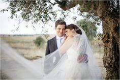 A Portuguese Countryside Wedding by Catarina Zimbarra Photography via www.lemagnifiqueblog.com