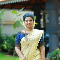 kerala pattu Kerala Saree Blouse Designs, Half Saree Designs, Saree Blouse Neck Designs, Dress Neck Designs, Bridal Blouse Designs, Kerala Engagement Dress, Engagement Saree, Kerala Traditional Saree, Onam Saree