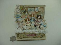 Amazing-Trunk-of-Dolls-by-Almudena-Gonzalez
