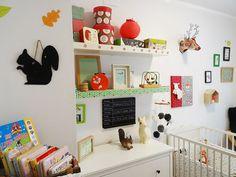 Chambre de bebe - Je vous parlais de forêt, de nature, de couleur moutarde, rouge, orange.