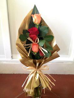 Bouquet Wrap, Hand Bouquet, Diy Bouquet, Bouquet Rosas, Ikebana Arrangements, Modern Flower Arrangements, Flower Box Gift, Flower Boxes, Diy Wedding Flowers