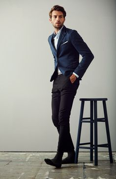 casual suiting(more suit looks here) Gentleman Mode, Gentleman Style, Mens Fashion Blog, Suit Fashion, Male Fashion, Fashion News, Fashion Updates, Style Simple, Mens Trends