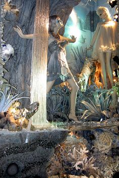 NYC: Bergdorf Goodman's 2008 Holiday window display - Calendar Girls - Summer