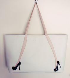 Bolsos divertidos - Blue Tutorial and Ideas My Bags, Purses And Bags, Sacs Tote Bags, Sacs Design, Diy Sac, Best Handbags, Denim Bag, Fabric Bags, Handmade Bags