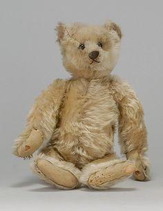 EARLY STEIFF BEAR Circa 1904/1905  look at that face
