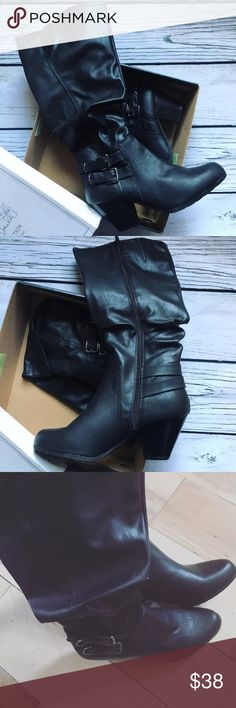 Women's Knee Boots Jaclyn Smith Size 9M Black Black Knee High Women's Boots.   Jaclyn Smith Collection.   Size 9M Jaclyn Smith Shoes Heeled Boots
