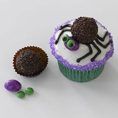 Halloween recipes: Ms Spider Cupcakes with Ferrero Rondnoir candy for body and an almond M&M for head