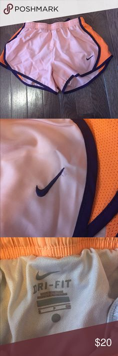 NIKE SHORTS Barley worn and still in perfect condition. This is a kids small Nike Bottoms Shorts