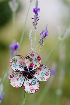 Fabric flower - need to try this.