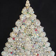 Purple Christmas Tree, Pretty Christmas Trees, Large Christmas Tree, Xmas Trees, Christmas Ornament, Vintage Jewelry Crafts, Vintage Costume Jewelry, Vintage Costumes, Handmade Jewelry