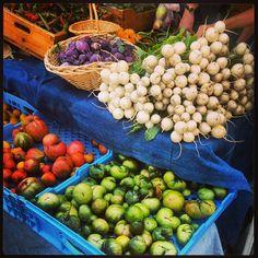#tomatoes #radishes #kohlrabi #peppers #farmersmarketnyc Union Square Greenmarket in #Manhattan via tracywingrove on Instagram