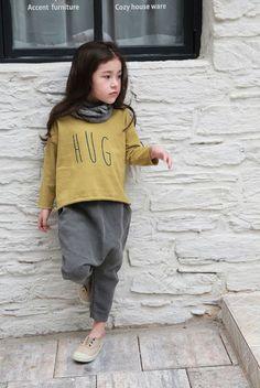 Fith May Hug Tee (2C)