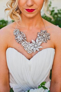bridal styling // photo by HelloStudioBlog.com // necklace by ReneePaweleBride.com